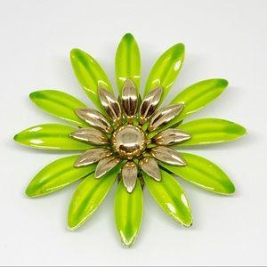 Beautiful Sarah Coventry Floral Enamel Brooch Pin